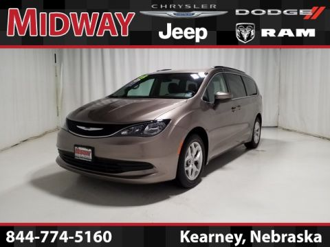 Certified Pre-Owned 2018 Chrysler Pacifica Touring